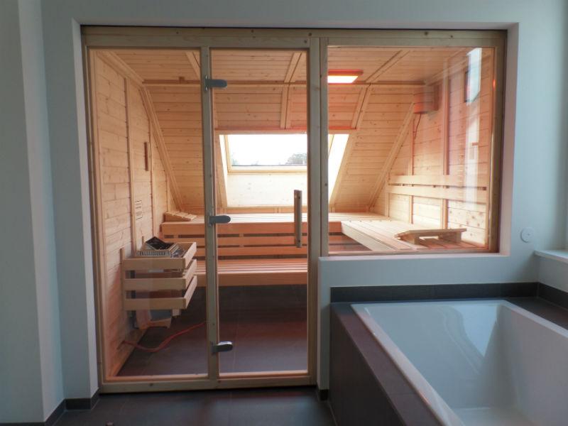 Sauna mit Glasfront